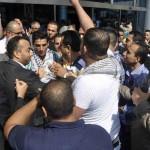 استقبال حاشد لمحمد عساف لدى وصوله إلى قطاع غزة