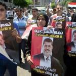حلاق يقدم خدماته مجانًا لأنصار مرسي المعتصمين
