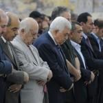 طرد خطيب الخليل لدفاعه عن تنازلات عباس