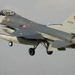 وفاة مجندين اتراك فى سقوط طائرة