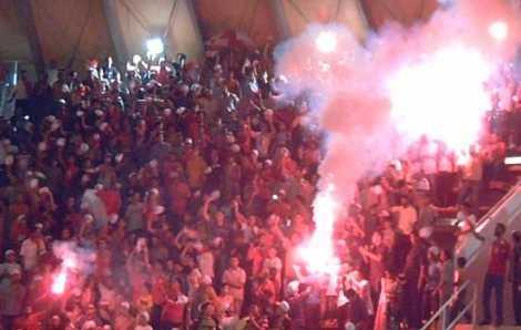"""بالصور: 25 قتيلا في شغب بعد مباراة الاهلي والمصري في كرة القدم في مصر وغرفة الملابس """"مشرحة"""""""