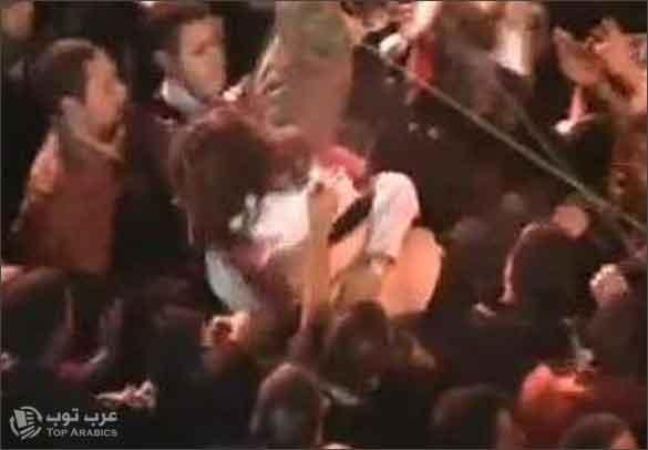 صورة فيديو علياء المهدي تطرد من ميدان التحرير
