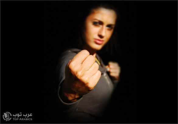 سعودي يتعرض لضرب مبرح على يد زوجته صورة تعبيرية