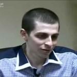 صورة الأسير الجندي الاسرائيلي المفرج عنه جلعاد شاليط كما ظهر في وسائل الاعلام