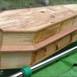 مهنة دفن الموتى