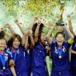 احتفالات منتخب اليابان للسيدات بعد فوزهم بكأس العالم 2011