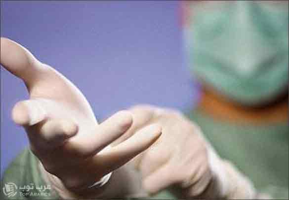 طبيب سعودي يجرى عملية بواسير لفتاة بدلًا من عملية استئصال اللوزتين !!